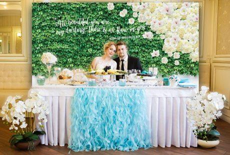 head-table-custom-backdrop-example